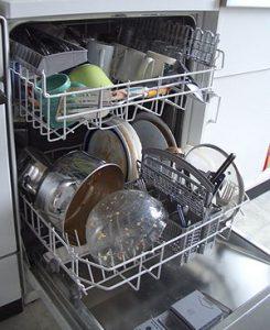 776146 893 245x300 - چند ابتکار برای استفاده بهینه از ماشین ظرفشویی